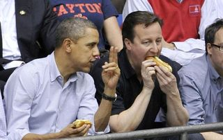 Obama-Cameron-take-in-NCAA-game
