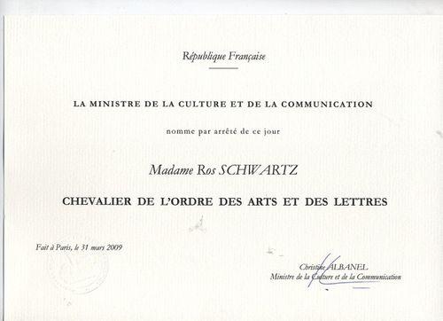 Ros Scwartz Chevalier de L'Ordre des Arts et des Lettres Cert (small)