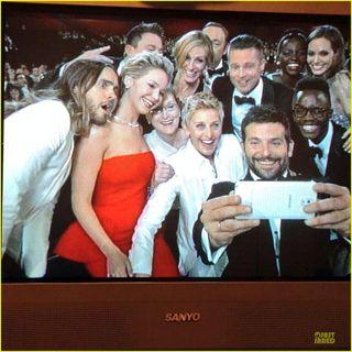 Ellen-degeneres-oscars-selfie-2014-01