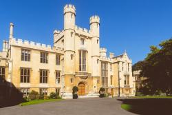 Elizabeth Lambeth Palace Exterior
